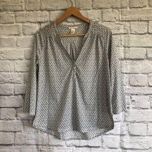 4/$20☀️ H&M Black/ White Print Blouse / Top